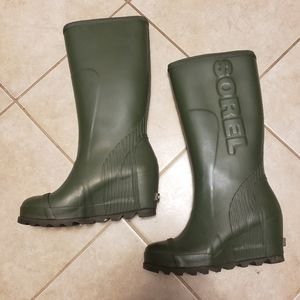 Sorel Joan Tall Green Rainboots size 8